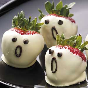 strawberry-ghosts-halloween-treats